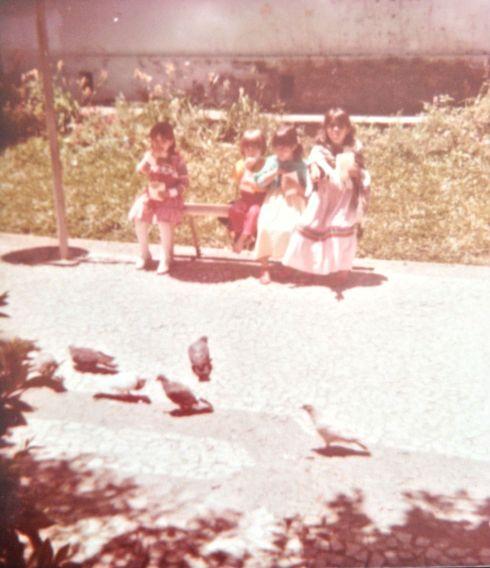 Alimentando os pombos, em Lages/SC