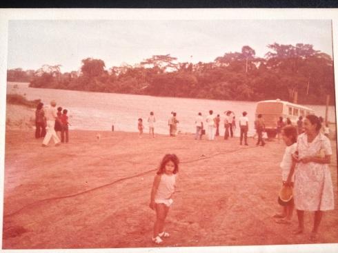 Desbravando a Amazônia e esperando a balsa para fazer a travessia de Porto Velho para Rio Branco.