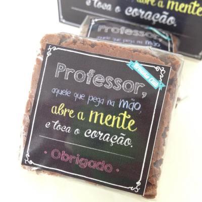 Brownie clássico ou recheado com tag (a partir de R$ 2,80)